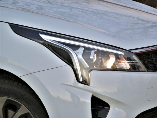 KIA Rio – Повертеться перед зеркалом. KIA Rio Sedan