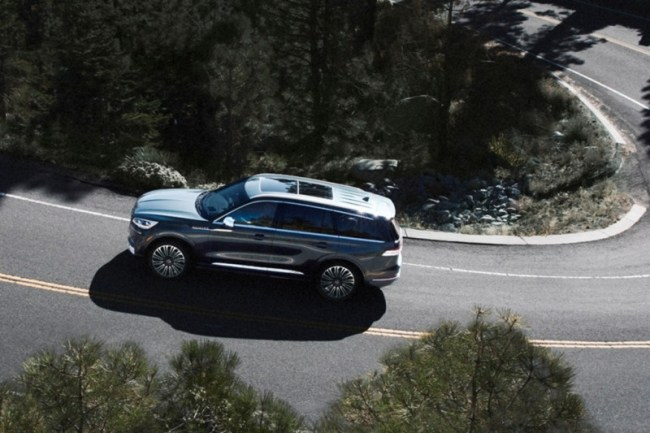 Что привезти? Lincoln Aviator Hybrid. Lincoln Aviator