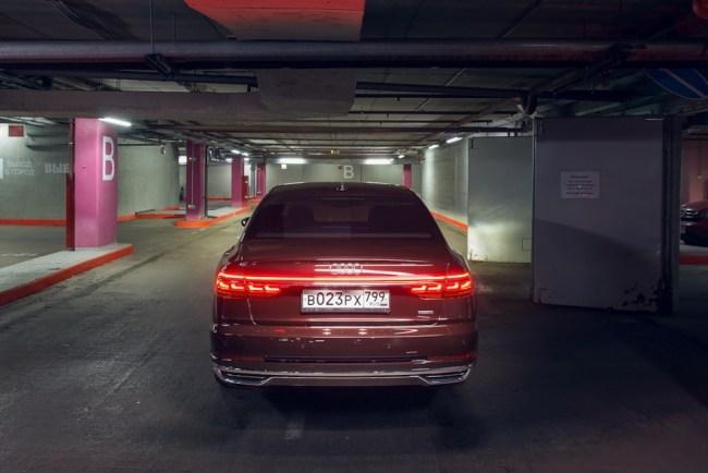 Audi A8 – космический лайнер для земной суеты!. Audi A8 (D5/4N)