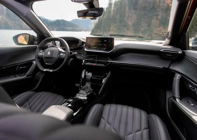 Таблетка от занудства. Peugeot 2008. Peugeot 2008