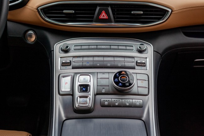 Hyundai Santa Fe центральная консоль