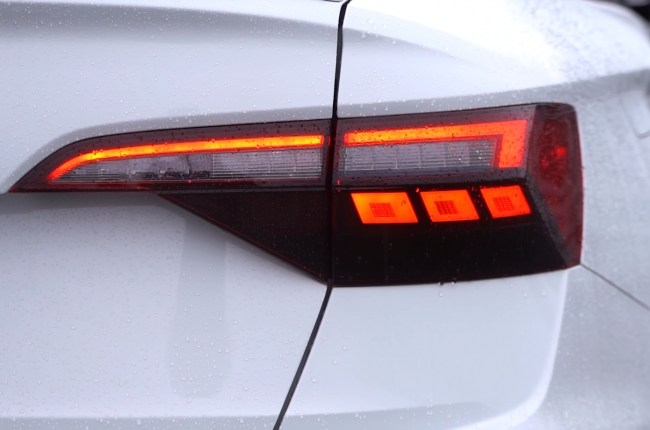 Volkswagen Jetta GLI задние фонари