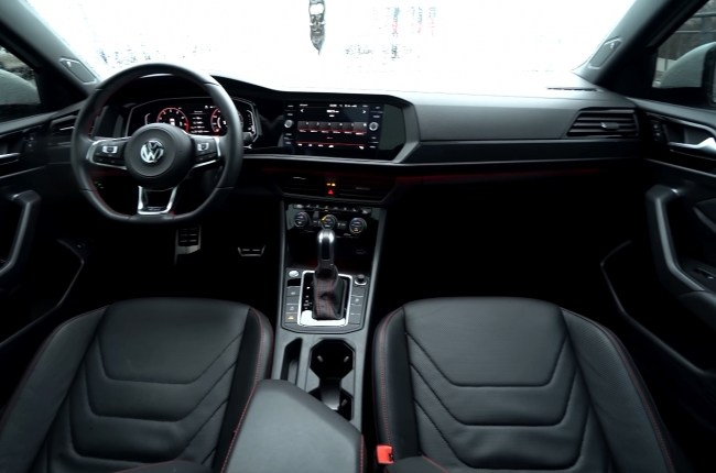 Volkswagen Jetta GLI салон