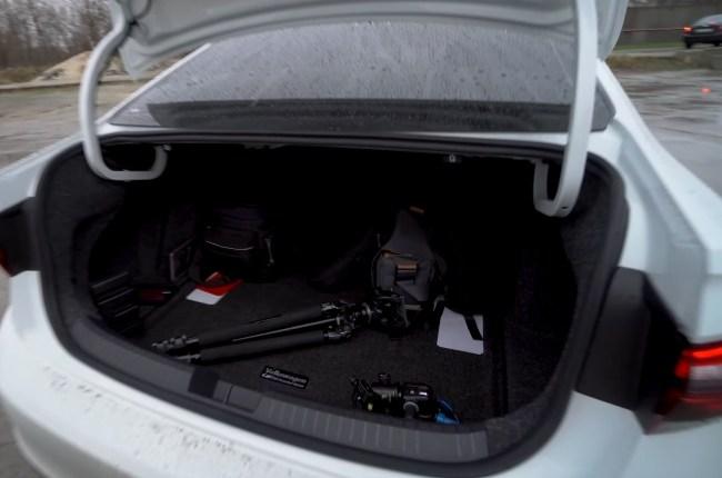 Volkswagen Jetta GLI багажник