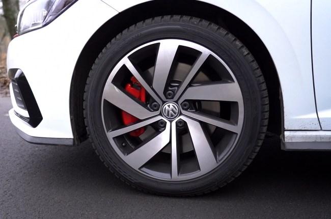 Volkswagen Jetta GLI колеса