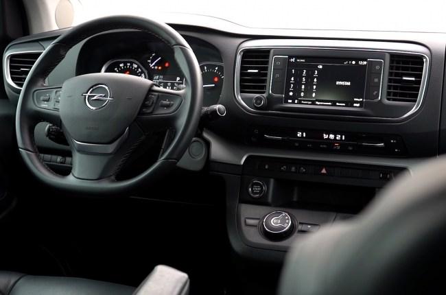 Opel Zafira Life салон