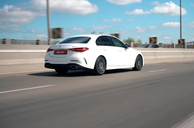 Mercedes-Benz C-Class поведение на дороге