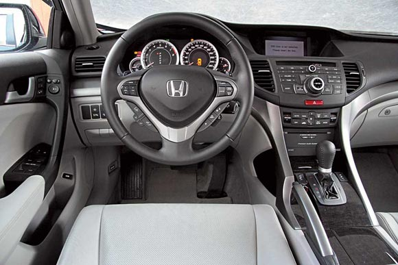 Тест-драйв Honda Accord Tourer 2009