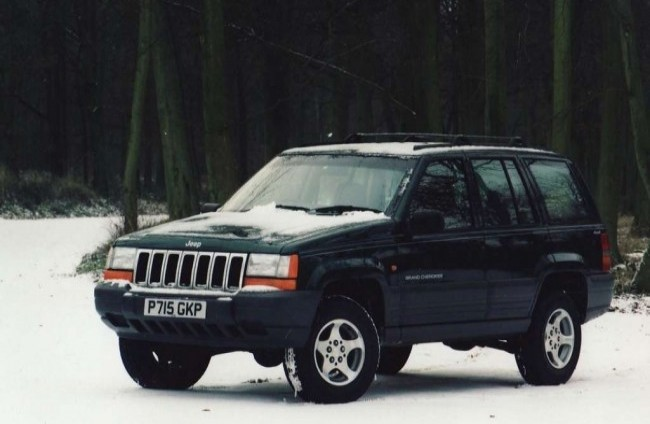 Jeep Grand Cherokee Laredo (ZJ), 1992 год