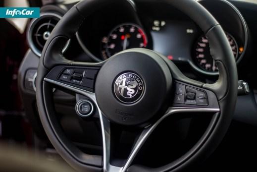Alfa Romeo Giulia. Поцелуй итальянки. Alfa Romeo Giulia