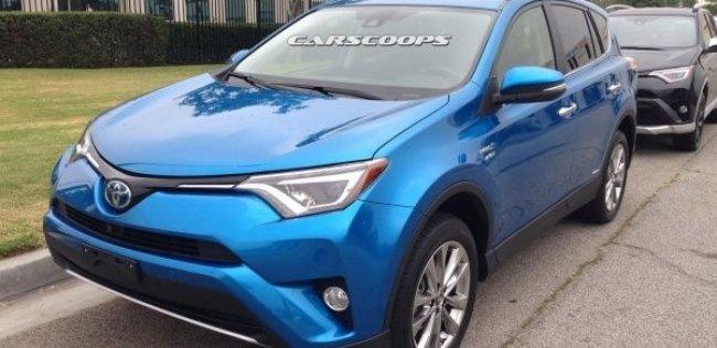Гибридная Toyota RAV4 впервые замечена на тестах