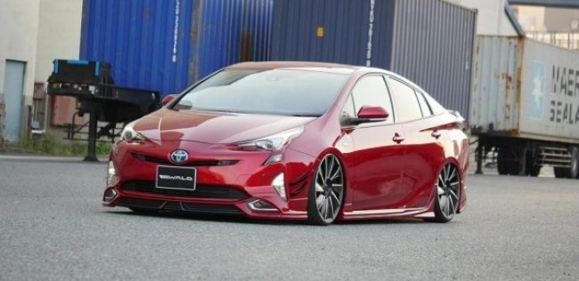 Toyota Prius превратили в лоурайдер
