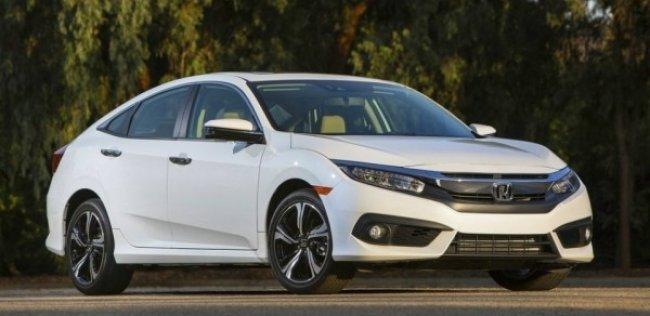 Американцы назвали самые продаваемые машины с «механикой»