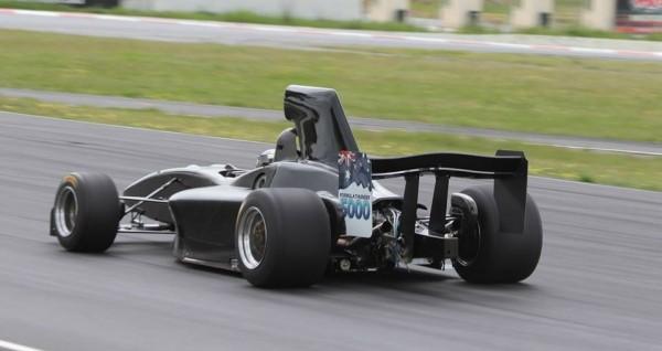 Австралийцы построили болид с пятилитровым мотором V8