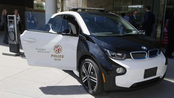 Полиция Лос-Анджелеса превратит Tesla Model S в патрульную машину
