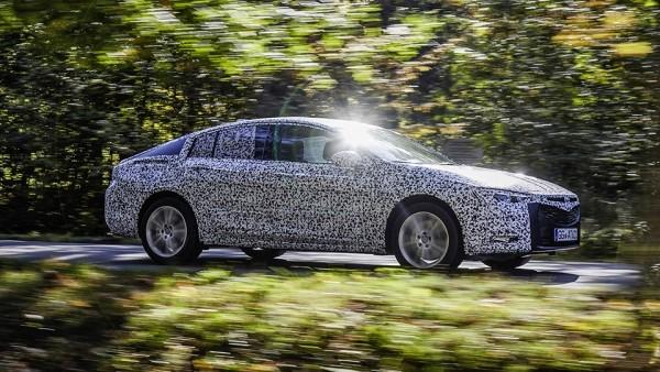 Opel Insignia станет больше и легче после смены поколения