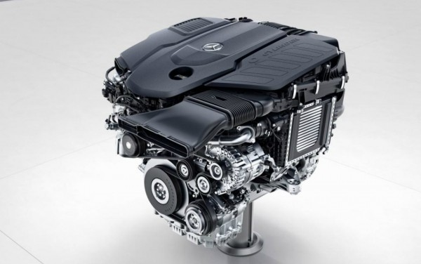 «Мерседес» S-Class получит новый V8 и самый мощный дизель