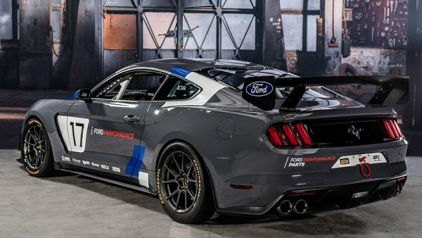 Сборщики Ford GT подготовили Mustang для гонок
