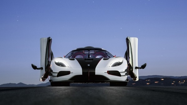 Один из семи Koenigsegg One:1 купили за 10 миллионов долларов