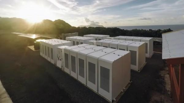 «Тесла» превратила тропический остров в солнечную батарею
