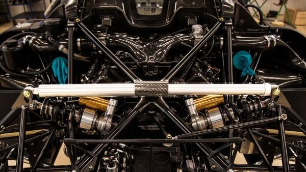 Koenigsegg научился удаленно настраивать подвеску гиперкаров