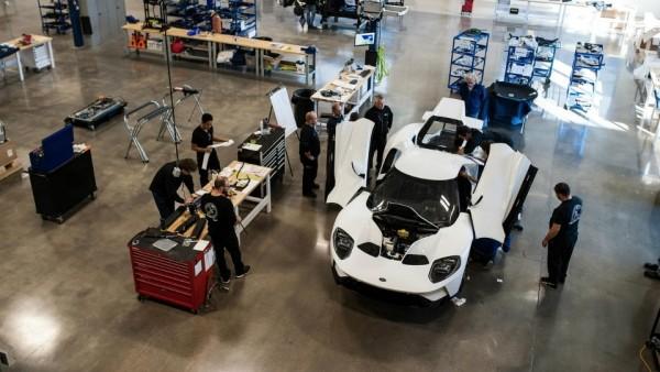 «Форд» запустил серийное производство суперкара GT