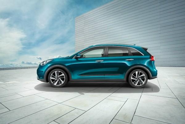 «Автоцентр на Борщаговке» открывает предварительный заказ на Kia Niro
