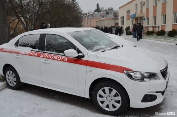 Семейные врачи в Украине будут ездить на Peugeot 301 4