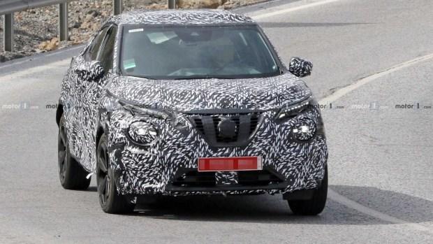 Новый Nissan Juke застали натестах почти без всякого камуфляжа