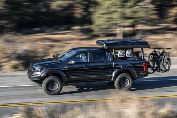 Пикап Ford превратили в дом на колесах