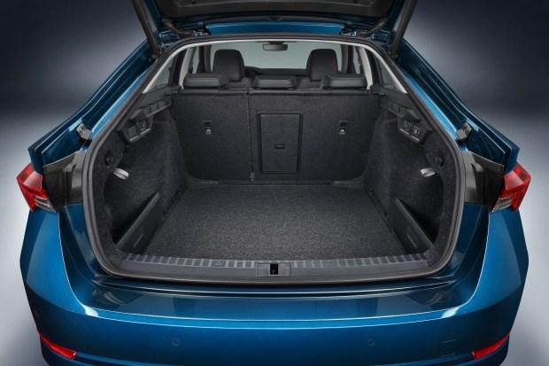 Объем багажника Octavia Liftback - 600л