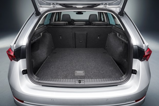 Объем багажника Octavia Combi - 640л