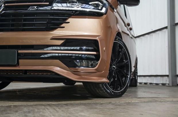 Немцы превратили обновленный Volkswagen T6.1 в спортивный минивэн