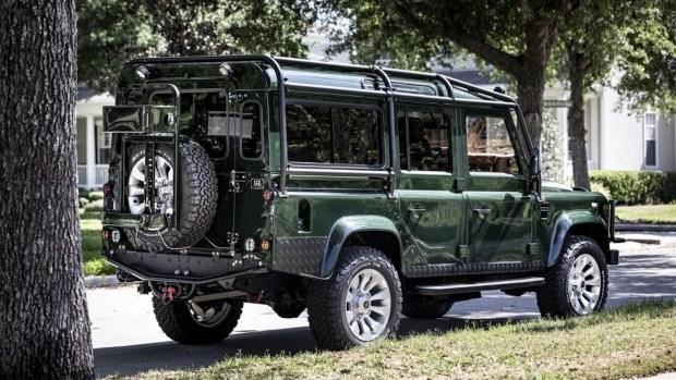 На зависть Лары Крофт: «сумасшедший» тюнинг Land Rover Defender