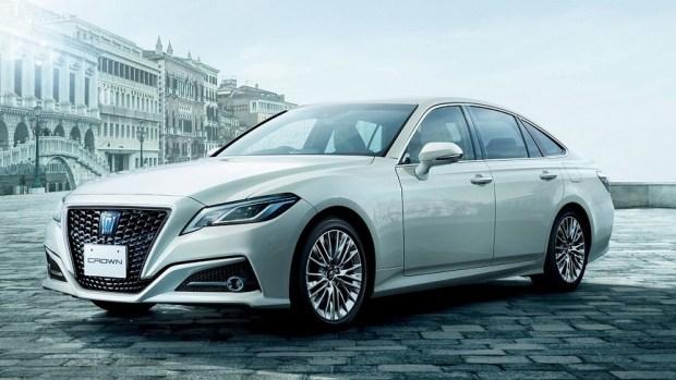 65 лет модели Crown: Toyota отметила выпуском спецверсии