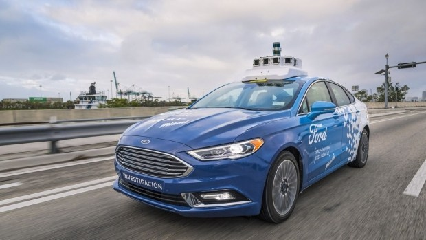 Убытки и психологи заставили Ford заморозить разработку автономных атомобилей