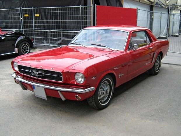 Ушел из жизни дизайнер культового Ford Mustang