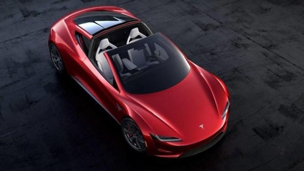 Tesla Roadster задержится на 2 года