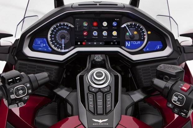 «Ok, Google! Почему так долго?»: Android Auto наконец-то доступен для мотоциклов