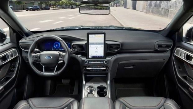 Гибридный Ford Explorer прорубил «Окно в Европу»