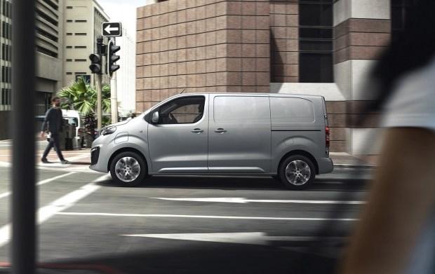 PEUGEOT e-EXPERT: электро-фургон следующего поколения