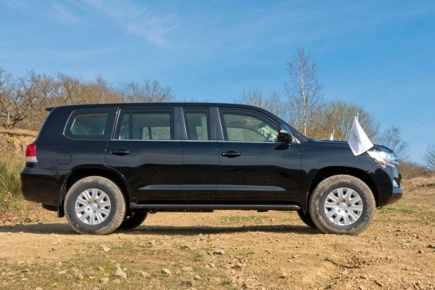 Land Cruiser 200: достойная замена Maybach Pullman Guard