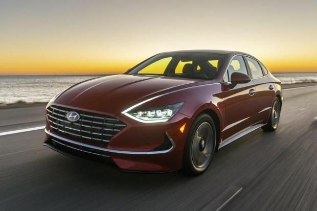 Обновленная Sonata Hybrid. А на что бы вы потратили $28.000?