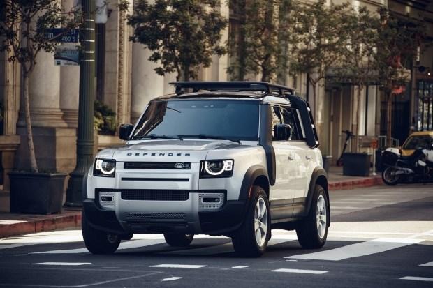 Новый Land Rover Defender уже в дилерском центре Jaguar Land Rover Киев Запад на Кольцевой