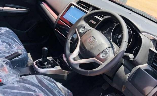 Посвежевший, не значит обновлённый: фейслифт Honda WR-V