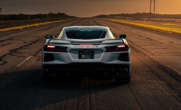 330 км/ч на новом Corvette