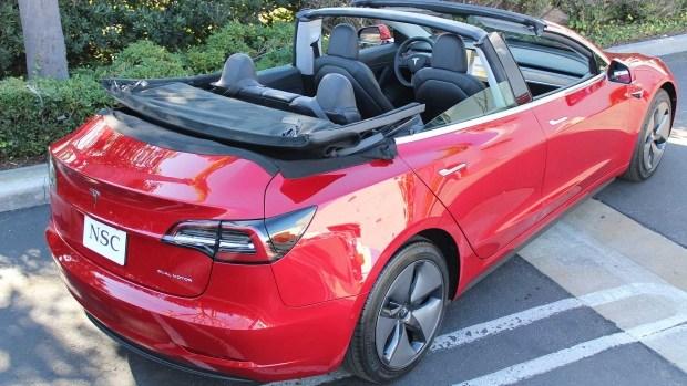 Tesla Model 3 в кузове кабриолет