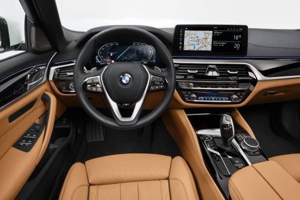 Обновленные BMW 5 Series и 6 Series GT представлены официально