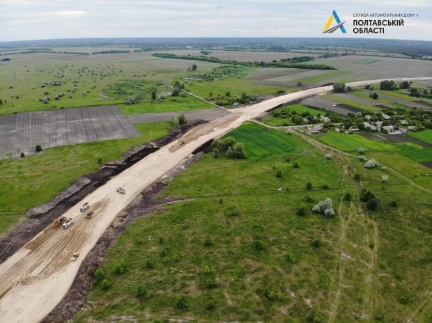 Как в Украине строят дорогу с нуля (фото)