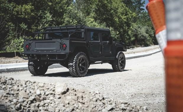 Ребята из Детройта построили динамичный Hummer H1